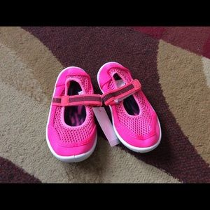 Other - Girl toddler water shoes size 7/8 , Lot Of 3